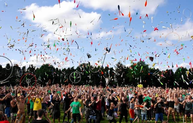 Всемирный день жонглирования (World Juggling Day)