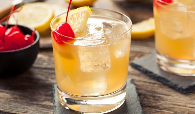 День коктейля «Виски Сауэр» в США