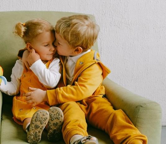 День братьев и сестёр (Siblings Day)