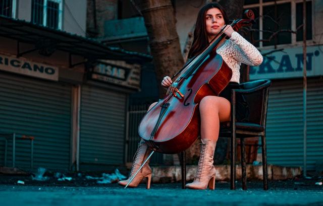 День слушания музыки вечернего города